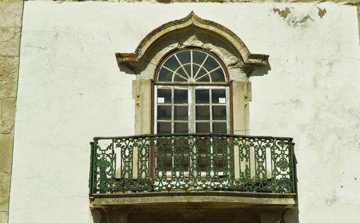Igreja da Misericórdia de Peniche, pormenor de janela