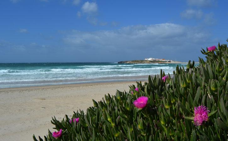 As deslumbrantes praias de Peniche PRAIA DO BALEAL NORTE