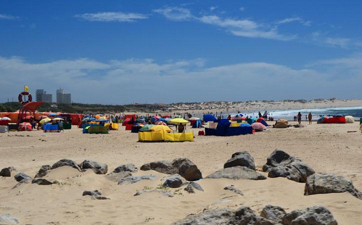 As deslumbrantes praias de Peniche PRAIA DE SÃO BERNARDINO