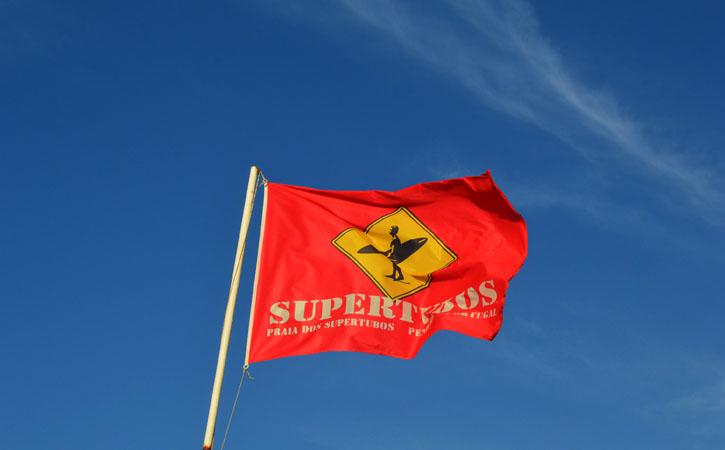 Praia SuperTubos - GoPeniche Guia Turístico